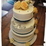 klassische 3 stöckige Hochzeitstorte