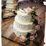 3 stöckige Hochzeitssahnetorte