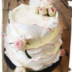 3 stöckige Hochzeitstorte in Blütenoptik