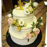 Hochzeitstorte in Streifenoptik